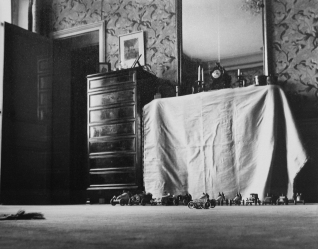 lartigue_inmybedroom_signed_1905_1-1