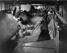 USS_Yorktown_(CV-10)_hangar_view_1943